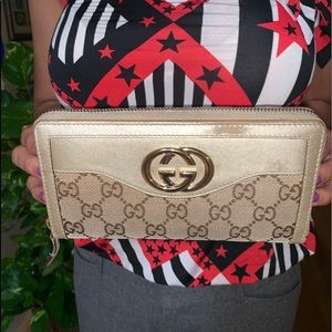 Authentic GG Monogram Gucci Zipper Wallet